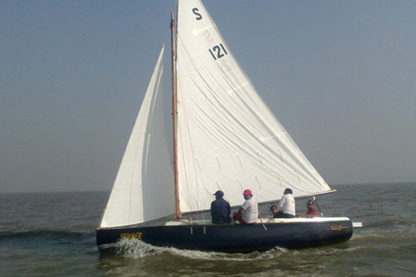 Sailboat on Hire in Mumbai