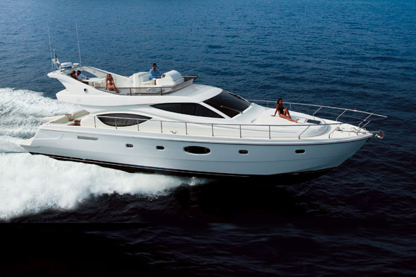 Yacht on Hire in Mumbai