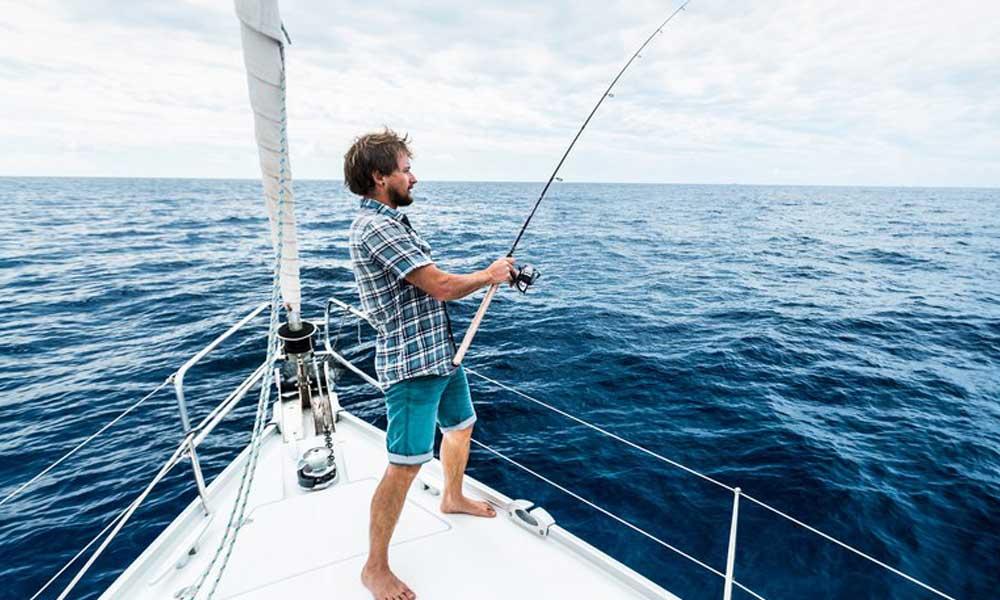 Fishing Cruise on Yacht in Mumbai